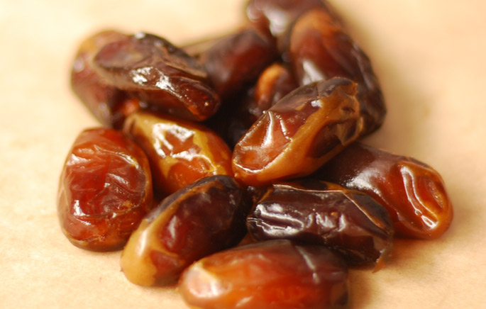 Fresh Honey Dates from the 7HOTDATES Organically Grown by the Bautista Family